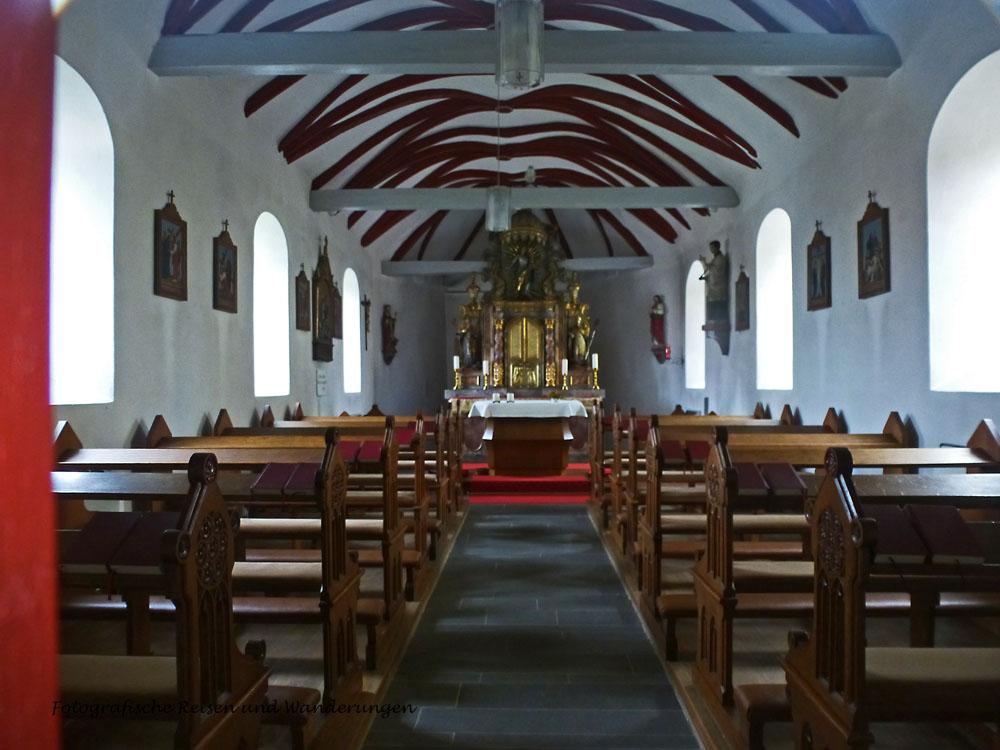 Ein Blick in die St. Barbara und Helena Kirche, die leider verschlossen war.