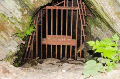 Katzenloch, eine alte stillgelegte Schürfstelle