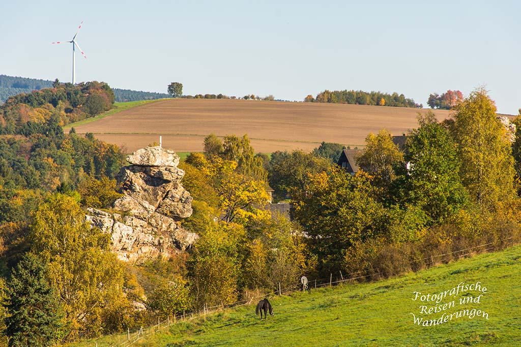 Blick auf die Burgruine Hunolstein